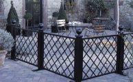 A megmaradt kerítés felhasználása az udvaron belül